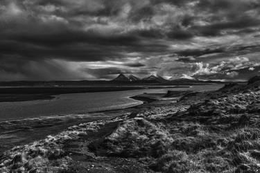 Icelandic Blackscape XVIII by leingad