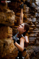 Cosplay Classic Lara Croft -climb by Anastasya01