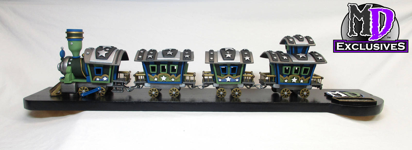 2016 MD Exclusives Blue/Green Train set by MacLeodDragons