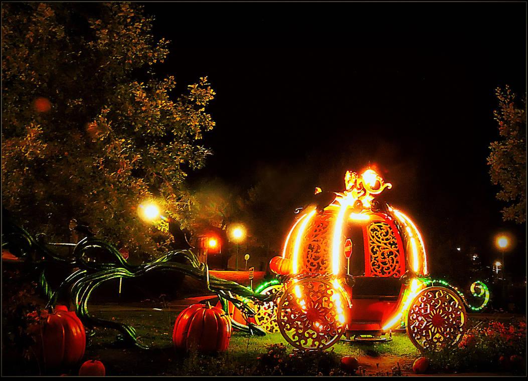 Happy Halloween Everyone! by surrealistic-gloom