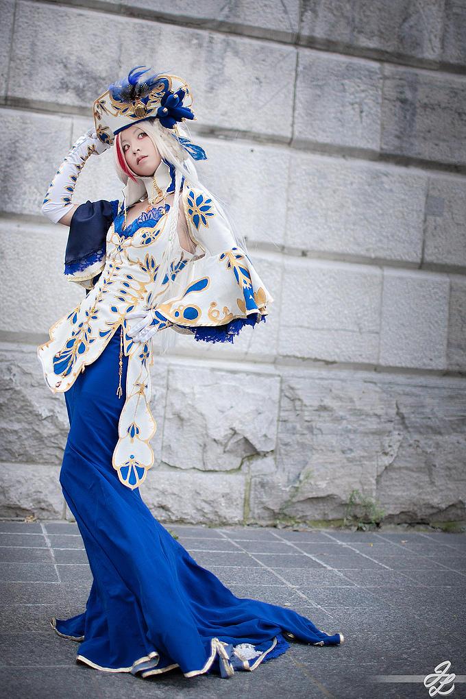 Windblown Duchess by vickybunnyangel