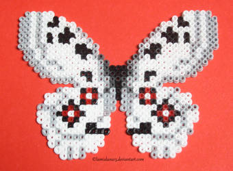 [Beads] Small Apollo Butterfly by xX-LamiaLuna-Xx