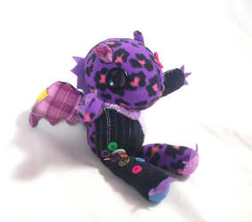 Aloysius Handmade Baby Scrap Dragon Hug View by sakihrumino
