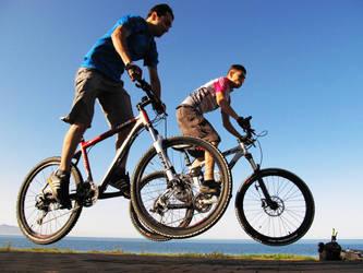 Bisikletle ucanlar by ilkererdal