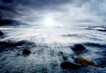 strange light at sea by oinsain