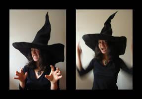 witch hat by nyankorita