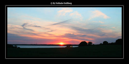 Sunset Horizon by nathalieG