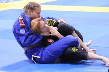 Judo-choking her out by bondjoev