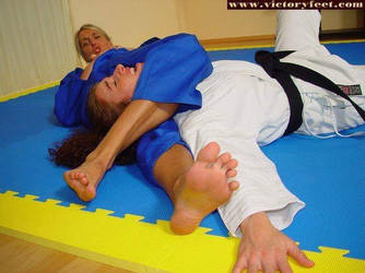 Judo-Nice Foot Choke by bondjoev
