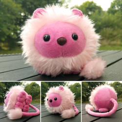 Round critters - Pink lion plush by demiveemon