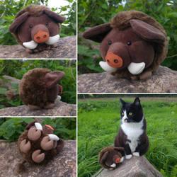 Round critters - Wild boar plush by demiveemon