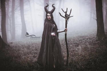 Maleficent- Black Queen. by LucreciaMortishia