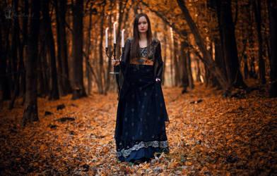 Hello Autumn by LucreciaMortishia