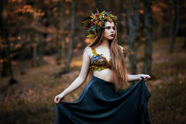 Autumn Muse by LucreciaMortishia