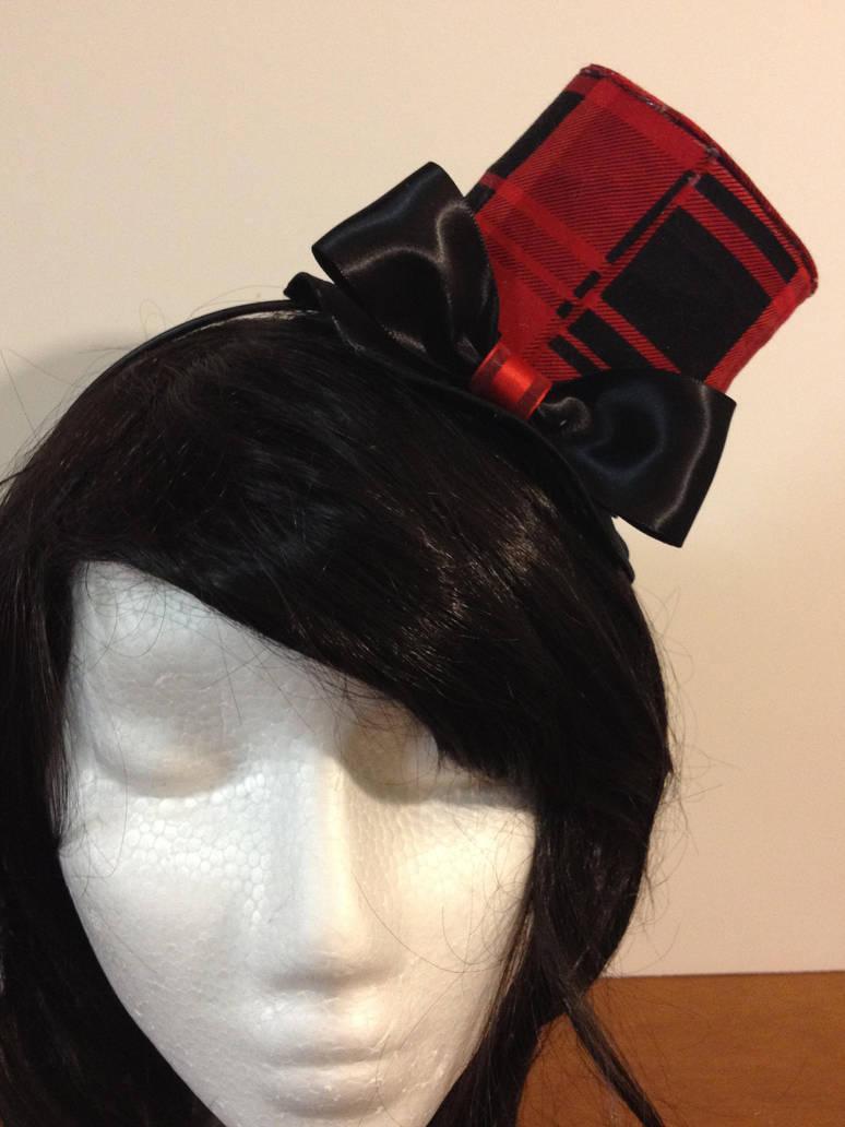 Black/red plaid tophat by tawnie8376