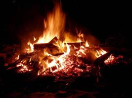 Bonfire by Elofan74