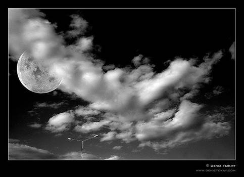 Moon by denizt