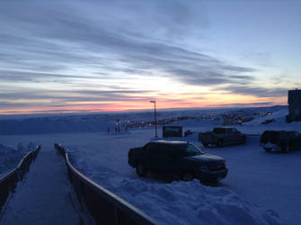 Sunsets in the Arctic by epicwhamo995