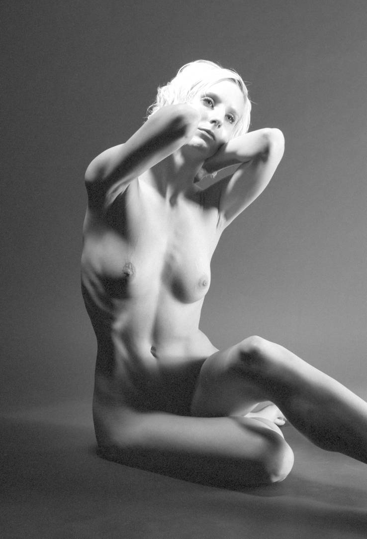 Seated Nude by grandart