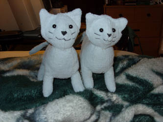 kittens by mizukitiger
