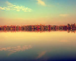 Autumn morning by seraphRo