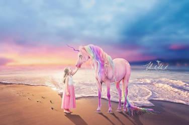 Rainbow Unicorn by hannabananapm