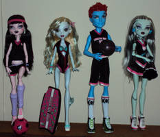 Monster High Scream Uniforms by ItsAMonsterThing