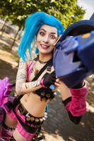 League of Legends - Jinx Cosplay @ Comic Con by faramon
