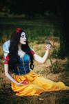 Snow White Cosplay by palewinterrose