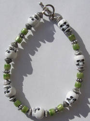 Greeny Skulls Bracelet by allucia