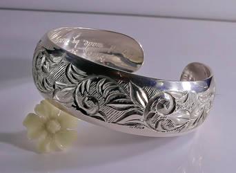 silver bracelet by manuroartis
