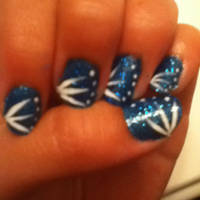 blue dot and star nails by Kitten2222