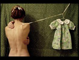 la petite robe. by moumine