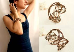 Wire bracelet Modern by UrsulaJewelry