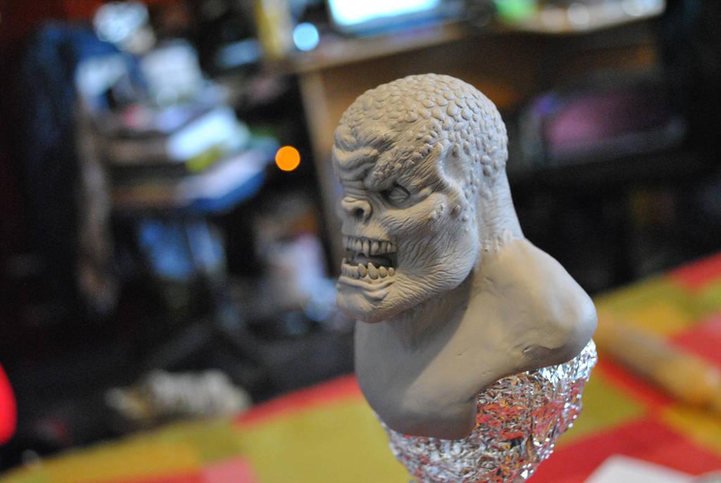 Locust head sculpt3 by sanyaca