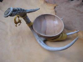 Balancing deer antler bowl by lupagreenwolf