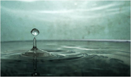 Droplet by Zac-Photography