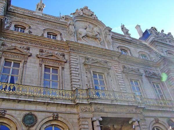 Lyon City Hall I by VeranMovil