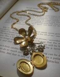 Necklace 35 by meganhor