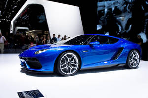 Surprising Lambo concept by GauthierN