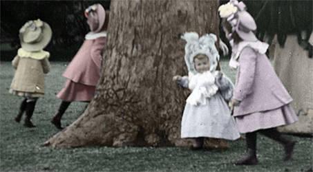 Running around a tree by MemoriesOfTime97