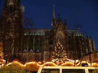 Cologne's Cathedral by scorgoro