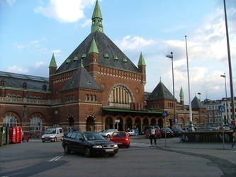 Copenhagen train station by scorgoro