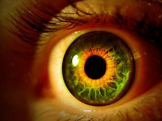 Colored Eye by fantmayo