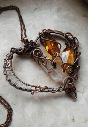 Wire-wrapped copper heart by yuhime