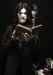 Snape reads fanfic.... by vkacademy