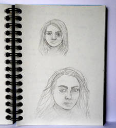 Women (sketches) by lunejaune145
