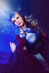 Thor 2 by Amapolchen
