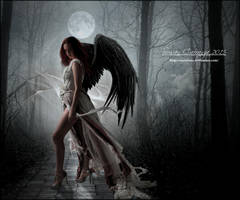 Serious Moonlight by SuzieKatz
