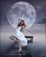 Dancing in the Moonlight by SuzieKatz